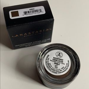 Anastasia Beverly Hills Makeup - Anastasia Beverly Hills waterproof creme colour